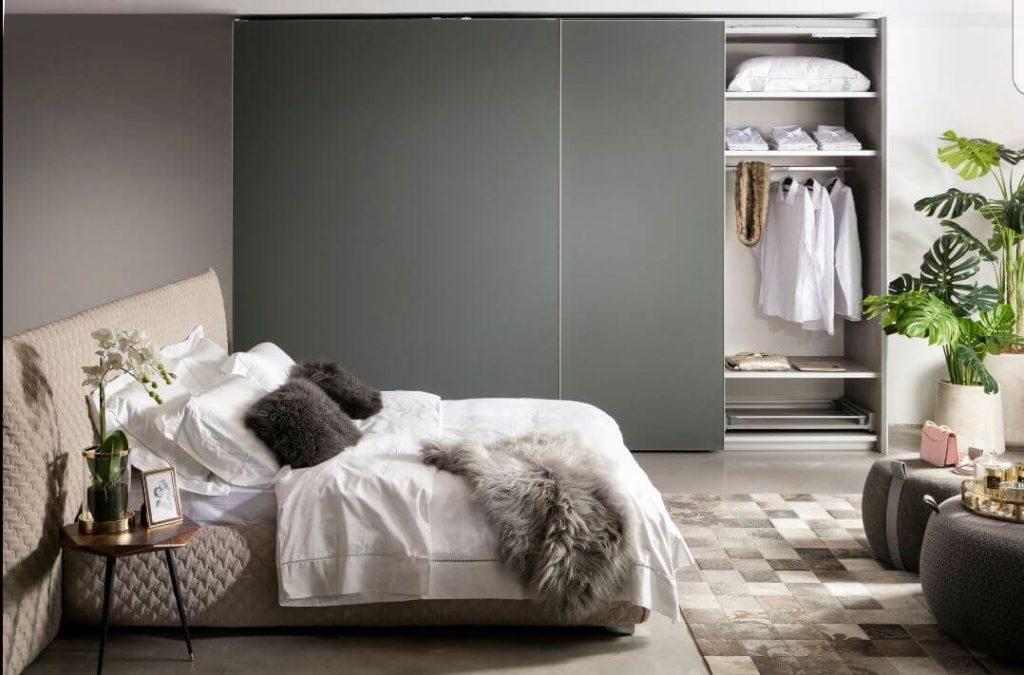 ארונות הזזה קלאסיים לחדר שינה